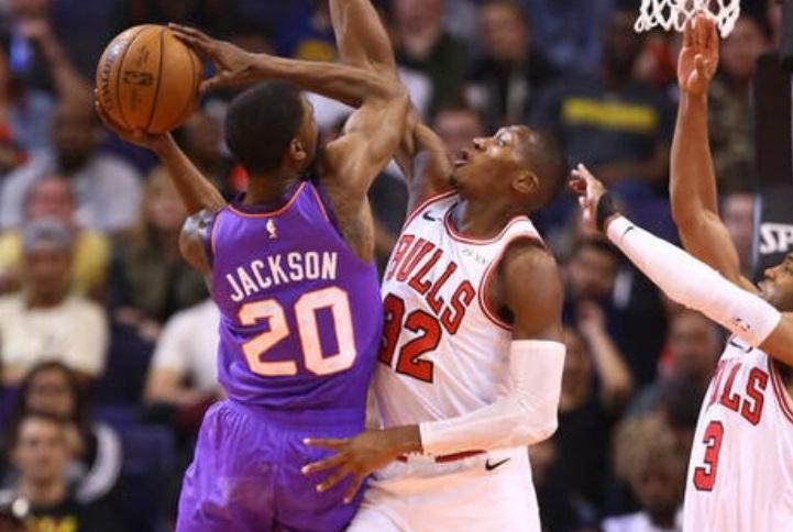 Lance de partida entre Chicago Bulls e Phoenix Suns pela NBA