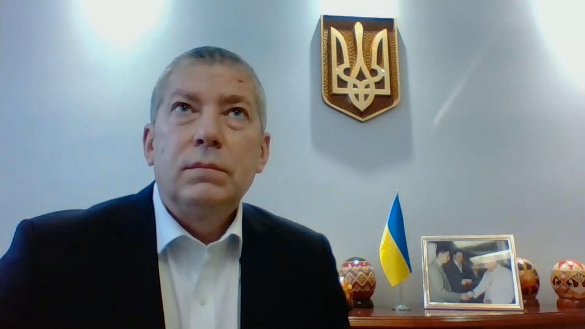 O embaixador da Ucrânia Rostyslav Tronenko