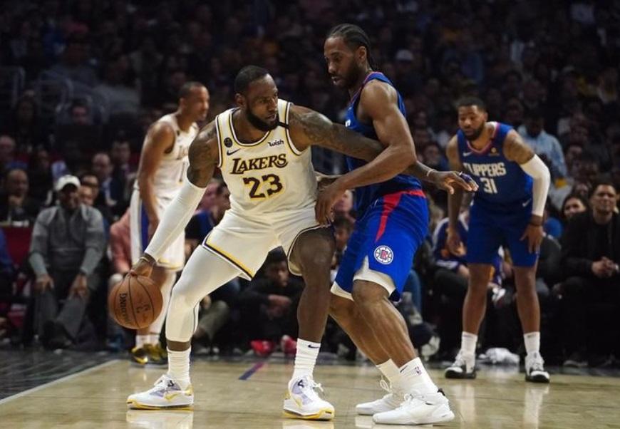 Partida entre Los Angeles Clippers e Los Angeles Lakers pela NBA