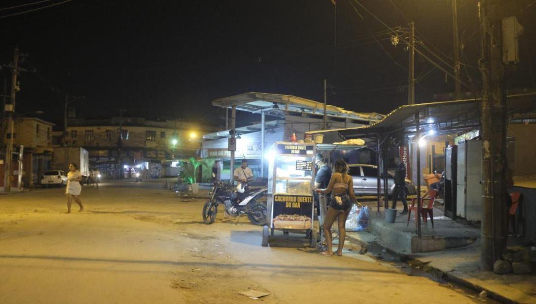 ruas favelas RJ