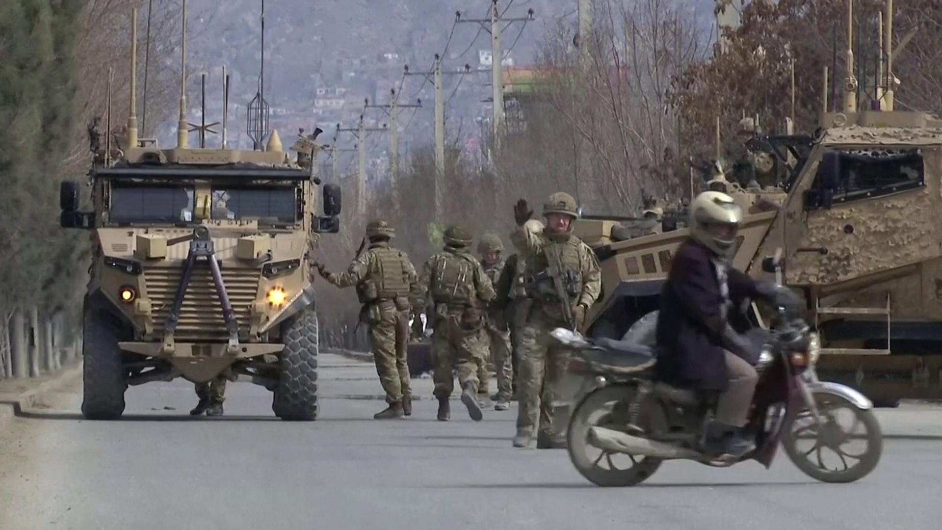 Militares reforçam segurança no Afeganistão após ataque