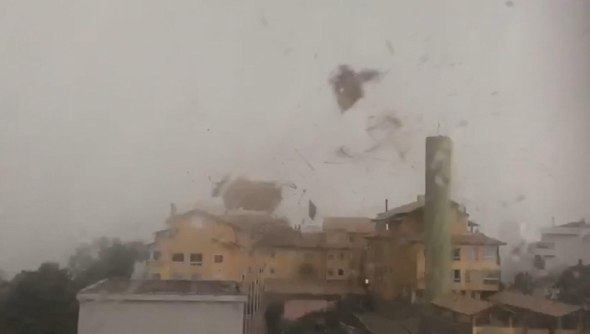 'Ciclone bomba' causa destruição no sul do Brasil