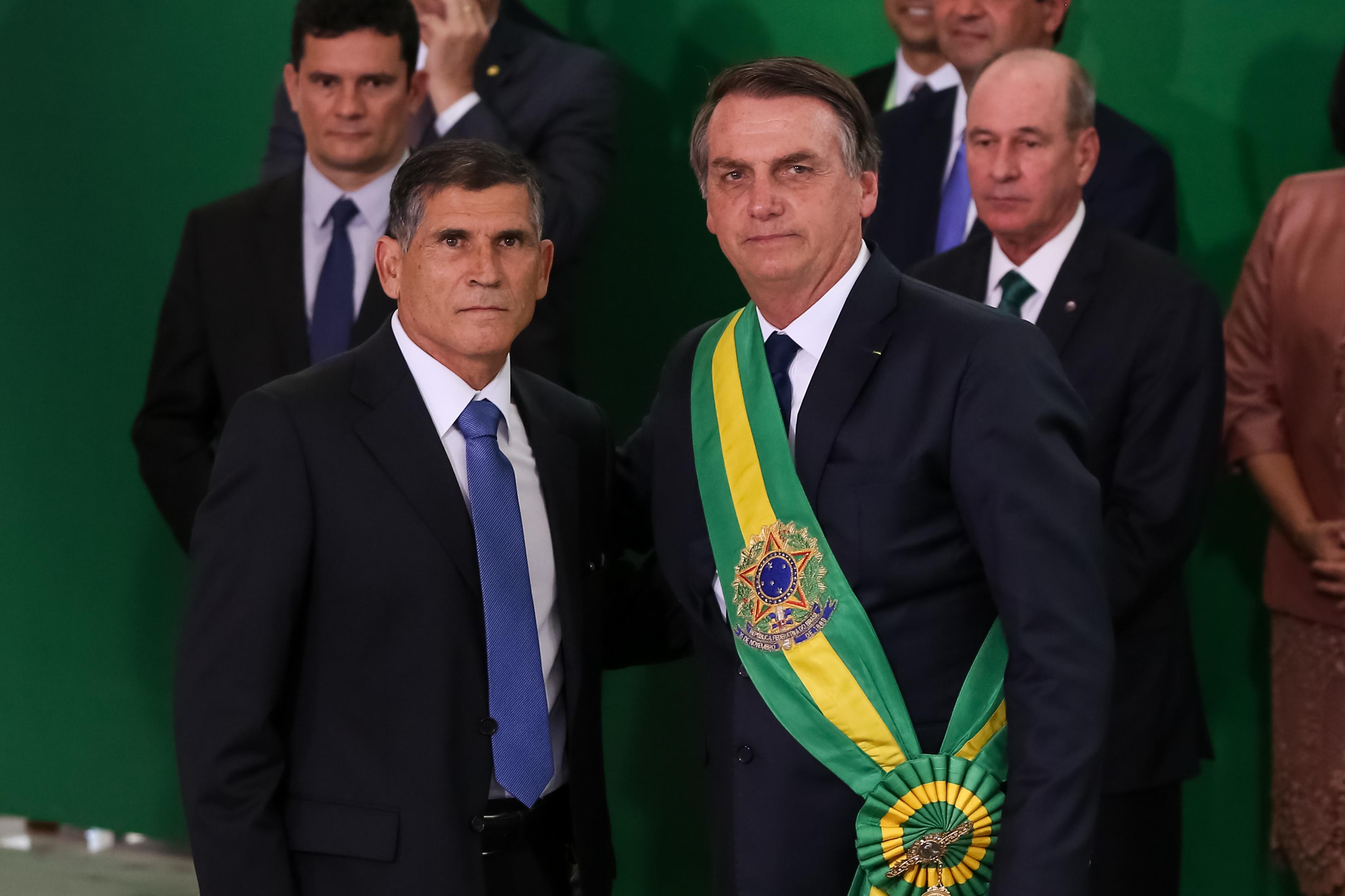 General Santos Cruz e Jair Bolsonaro