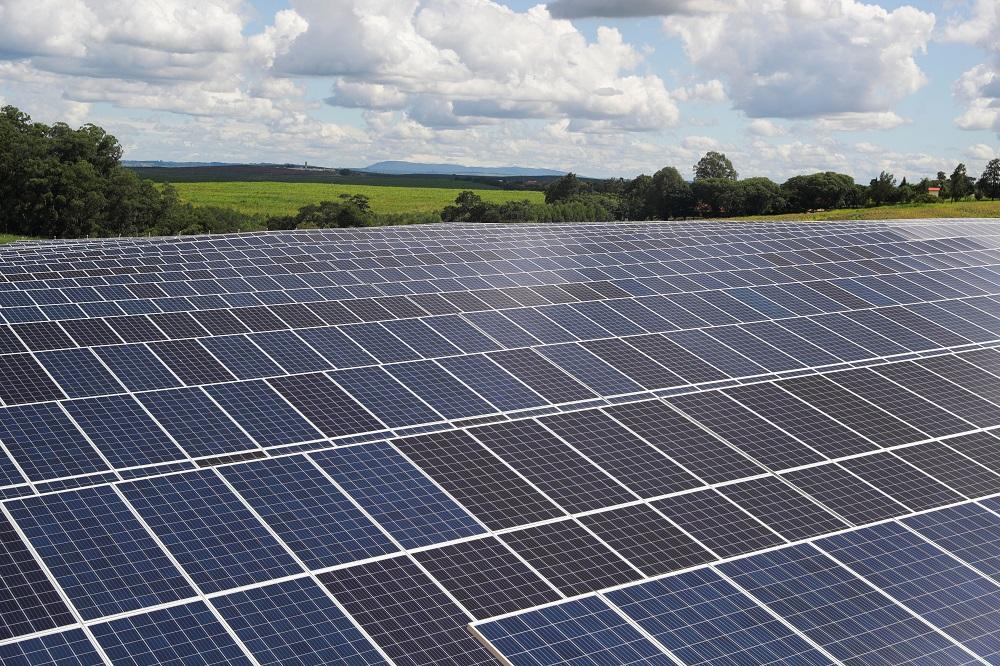 Painéis de energia solar em Porto Feliz, no interior de SP