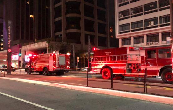 Viaturas do Corpo de Bombeiros controlam incêndio na estação Brigadeiro