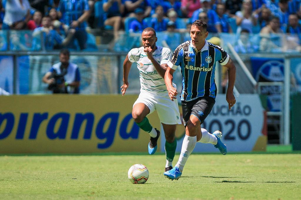 Diego Souza contra o Juventude: atacante retorna ao Grêmio 12 anos depois