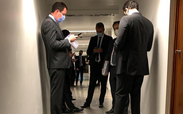 PF aguarda decisão da Justiça sobre operação no gabinete do senador José Serra