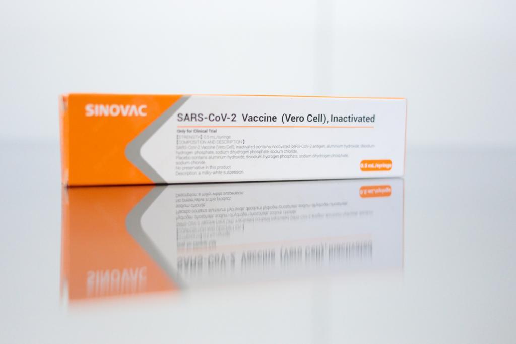Caixa com potencial vacina contra Covid-19 da farmacêutica Sinovac