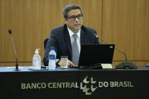 Sem outros choques, é possível inflação na meta em 2022, diz Campos Neto