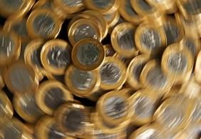 Técnicos da equipe econômica relataram que o projeto de auxílio aprovado pela Câmara pressiona o endividamento da União sem qualquer previsibilidade