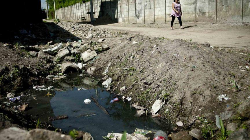 Segundo dados do Atlas Esgotos: Despoluição de Bacias Hidrográficas, 45% da população brasileira ainda não têm acesso a serviço adequado de esgoto