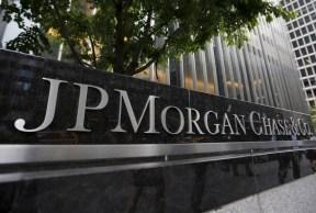 Empresas esperam aumento na inadimplência de cartões de crédito. Desemprego deve continuar acima dos 10%, preveem bancos