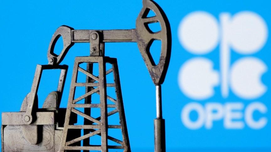 Logo da Opep: organização vem restringindo a produção de petróleo desde maio