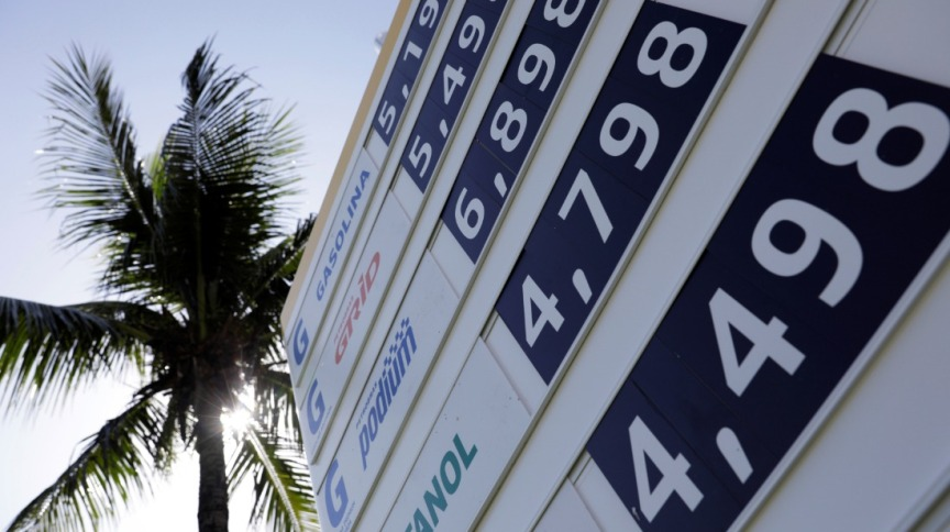 Tabela de preços em posto de combustível: gasolina e diesel vão ficar mais caros nas refinarias