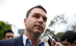 Senador e filho do presidente Jair Bolsonaro acusa empresário de agir com interesses políticos. Segundo Marinho, operação Furna da Onça vazou para Flávio