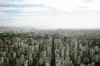 Um imóvel de R$ 500 mil terá aluguel, em média, de R$ 1.976, enquanto o mesmo valor aplicado no CDI rende R$ 800 em um mês