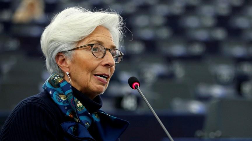 """Presidente do BCE, Christine Lagarde disse que riscos para atuais projeções são """"claramente negativos"""", diante do coronavírus"""