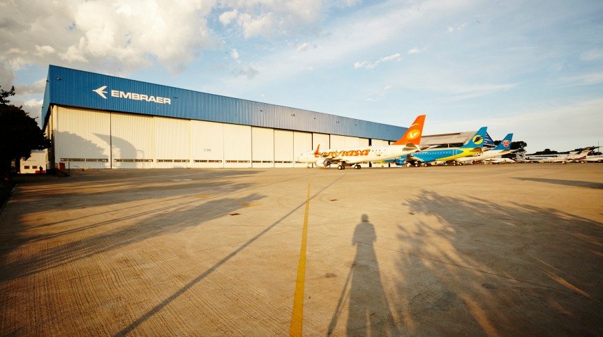 Hangar da Embraer: Empresa com mais de 50 anos de mercado abre novas vagas de estágio