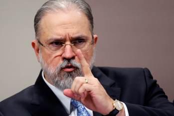 Procurador-geral afirma que presidente da República não pode responder por fala feita antes do mandato, mesmo que recompartilhada