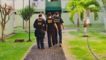 Ao todo são cumpridos 13 mandados de busca e apreensão em Porto Velho, capital de Rondônia, e nas cidades de Itajaí e Balneário Camboriú, em SC, e no RJ