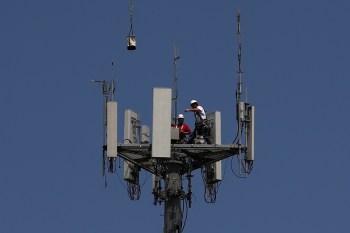 Já a receita da companhia de telecomunicações espanhola teve queda anual de 9% entre janeiro e março, a 10,34 bilhões de euros
