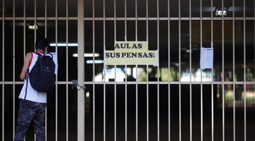 Escola em Brasília tem aulas suspensas por prevenção ao coronavírus (12.mar.2020)