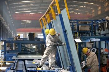 Já na comparação anual, a produção industrial do bloco cresceu 5,1% em agosto