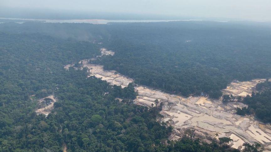 Área de garimpo ilegal na Amazônia, no Alto Tapajós (PA)