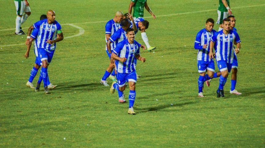 Mesmo desfalcado de 9 jogadores infectados, CSA venceu o Guarani na estreia da Série B do Brasileiro