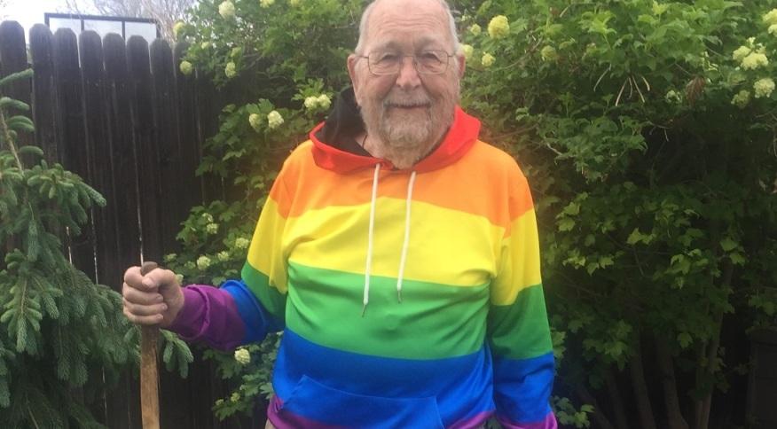 """Kenneth Felts fez a revelação para a filha e depois aos demais parentes em publicação no Facebook: """"Sou gay, me assumi e estou livre"""""""