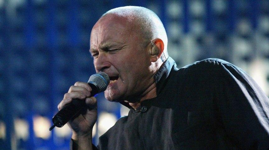 Phil Collins teve uma série de fraturas ao longo dos anos e, em 2015 foi submetido a uma cirurgia nas costas que o deixou com danos nos nervos