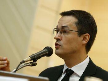 Pessoas próximas a Dallagnol informam que a troca se daria com o procurador Alessandro José Fernandes de Oliveira