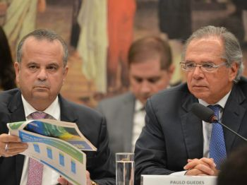 Ministro da Economia atribui apenas ao titular do Desenvolvimento Regional a ofensiva para convencer Bolsonaro a furar a regra do teto de gastos