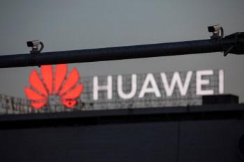 Xiaomi, Oppo e Vivo estão agindo para conquistar participação de mercado da Huawei, depois que sanções americanas prejudicaram a concorrente