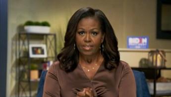 Em diversos momentos de seu discurso, Michelle citou George Floyd, cuja morte motivou protestos em todo o país