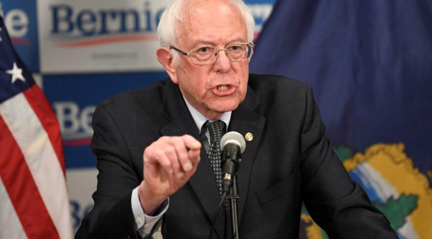 O democrata Bernie Sanders fala sobre o coronavírus na cidade de Burlington (EUA)