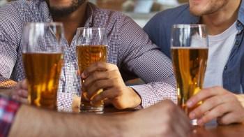 Investigadores descobriram que os mortos beberam destilado contendo metanol