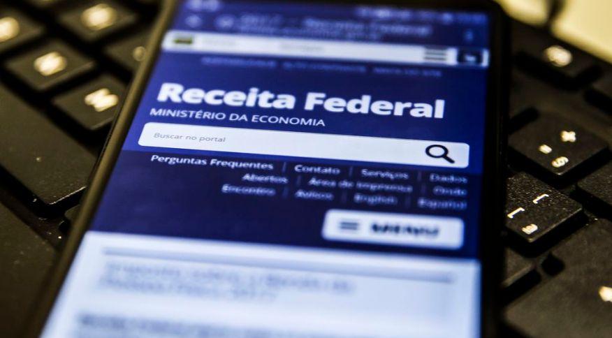 Página da Receita Federal no celular