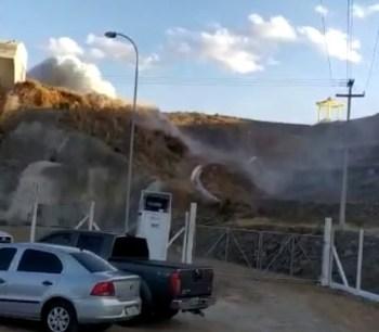 A obra faz parte do eixo norte da transposição do Rio São Francisco, cujo trecho teve as comportas abertas na quinta-feira (20)