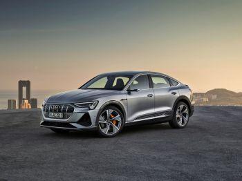 O e-tron Sportback é uma derivação do e-tron, o primeiro elétrico da Audi, que chegou ao Brasil também em 2020.