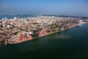 Previsão é que terminais receberão investimentos de R$ 420 milhões e gerarão 7.600 empregos;trata-se da primeira concessão no programa Pró-Brasil