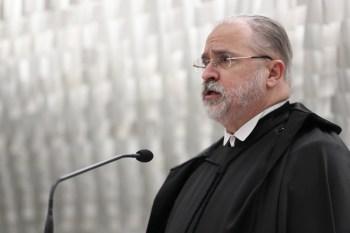 Procurador-geral da República disse que MP avalia como grave suposto ato da Abin sobre relatórios produzidos para orientar a defesa do senador Flávio Bolsonaro