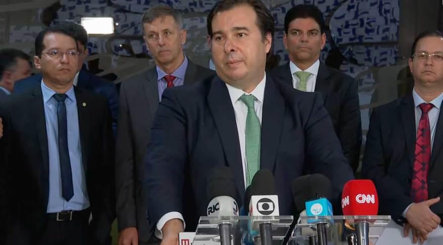 Rodrigo Maia lista medidas da Câmara para conter coronavírus