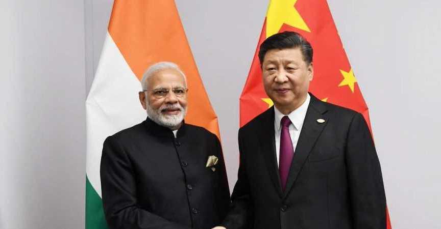 O premiê indiano Narendra Modi e o presidente chinês Xi Jinping