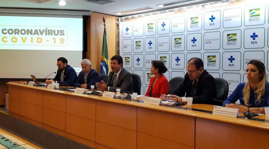 O ministro da Saúde, Luiz Henrique Mandetta, durante coletiva sobre o novo coronavírus