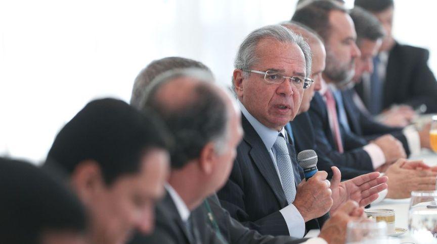 O ministro da Economia, Paulo Guedes, durante reunião com o Ministro-Chefe da Secretaria de Governo da Presidência da República, Luiz Eduardo Ramos e Parlamentares