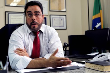 Endereços ligados ao ex-parlamentar foram alvos de buscas nesta quarta-feira durante a Operação Talha