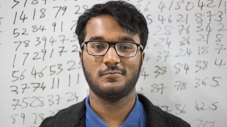 Neelakantha Bhanu Prakash é conhecido na Índia como a 'calculadora mais rápida do mundo'