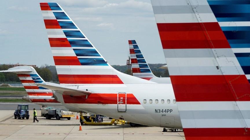 Aviões estacionados no aeroporto de Washington: empresas tentam se recuperar da crise