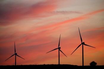 À CNN Rádio, o diretor-executivo do setor de energia da EY, André Flávio, sugeriu que a iniciativa privada pode ajudar a diversificar ainda mais as fontes de energia no Brasil